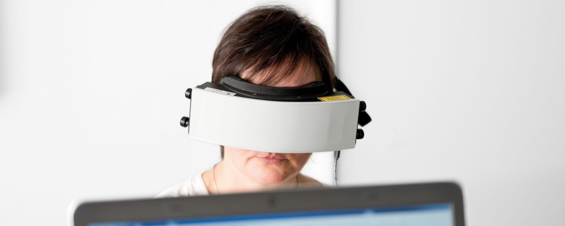 Schlafprobleme: Pupillographie / Augenmessung der Reaktionen